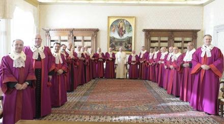 El Papa pide no caer en tentación de la burocracia en procesos de nulidad matrimonial