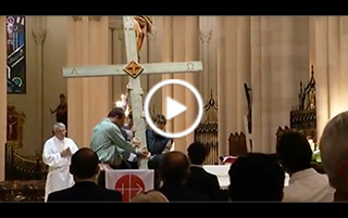 Vigilia de oración y testimonios por los cristianos perseguidos en la catedral de la Almudena