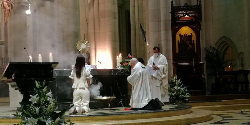 El cardenal Osoro preside en la catedral la vigilia de oración con jóvenes del primer viernes de marzo