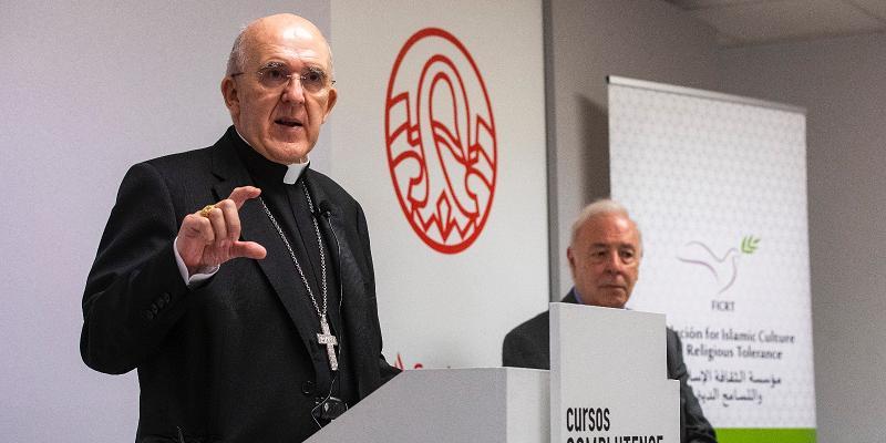 Cardenal Osoro en los cursos de verano de la UCM: «Solo con conciencia de hijos podemos vivir en paz»