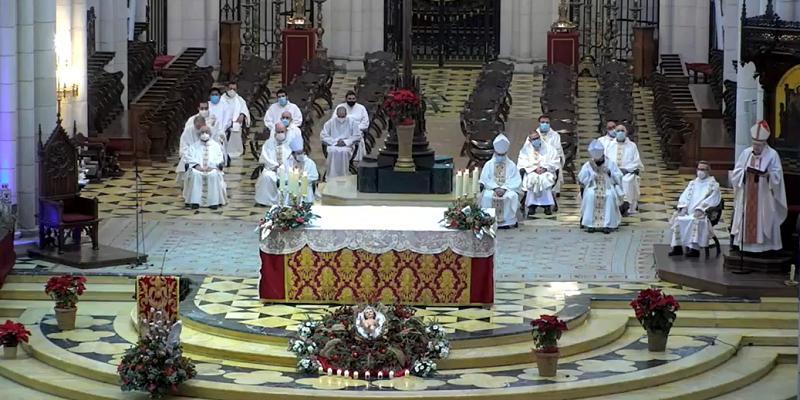 Cardenal Osoro en la fiesta de la Sagrada Familia: «Después de 21 siglos, la familia no ha pasado de moda»