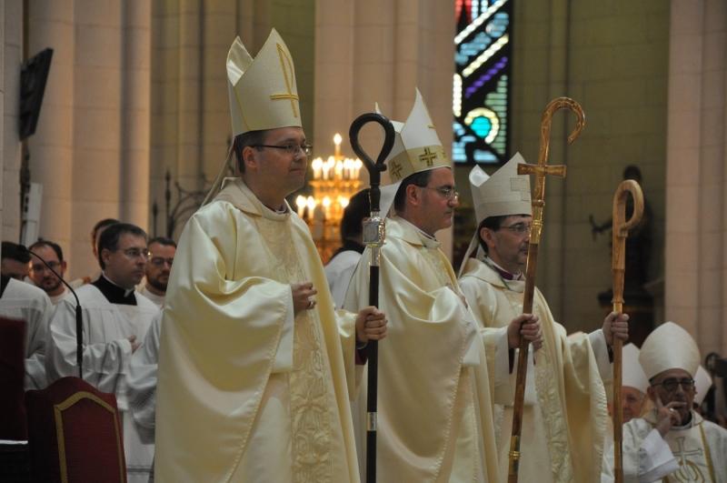 El cardenal Osoro en la ordenación episcopal de los nuevos auxiliares: «Nuestro tiempo es para la comunidad»
