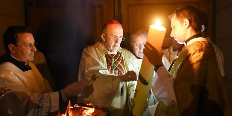El cardenal Osoro preside las celebraciones de Semana Santa a puerta cerrada en la catedral