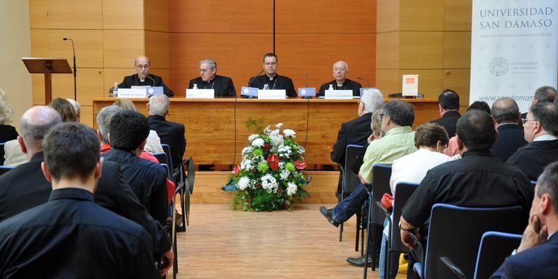 Cardenal Sistach: «Es necesaria una evaluación de los movimientos eclesiales y las nuevas comunidades»