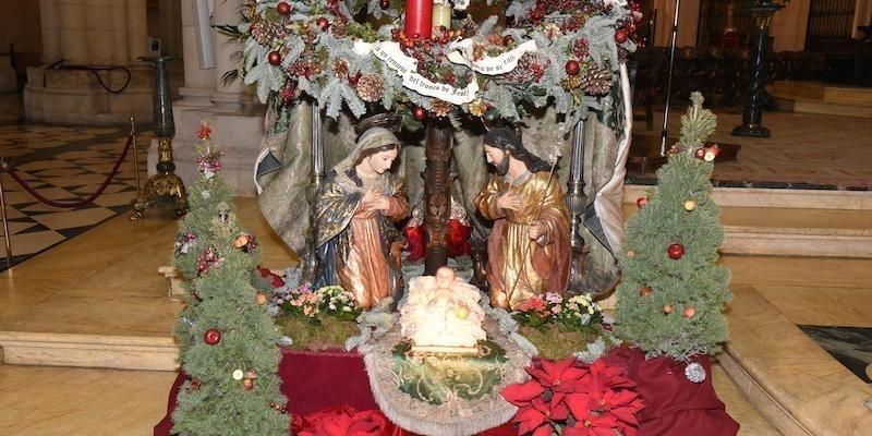 El arzobispo preside en la catedral unas celebraciones navideñas adaptadas a la pandemia